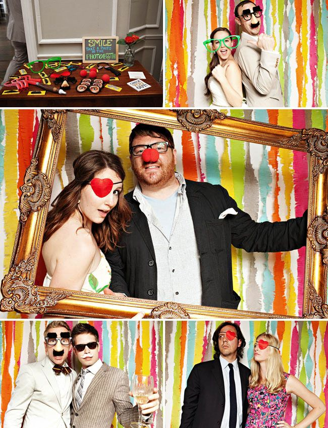 Funny-wedding-photo-booth-with-picture-frame5