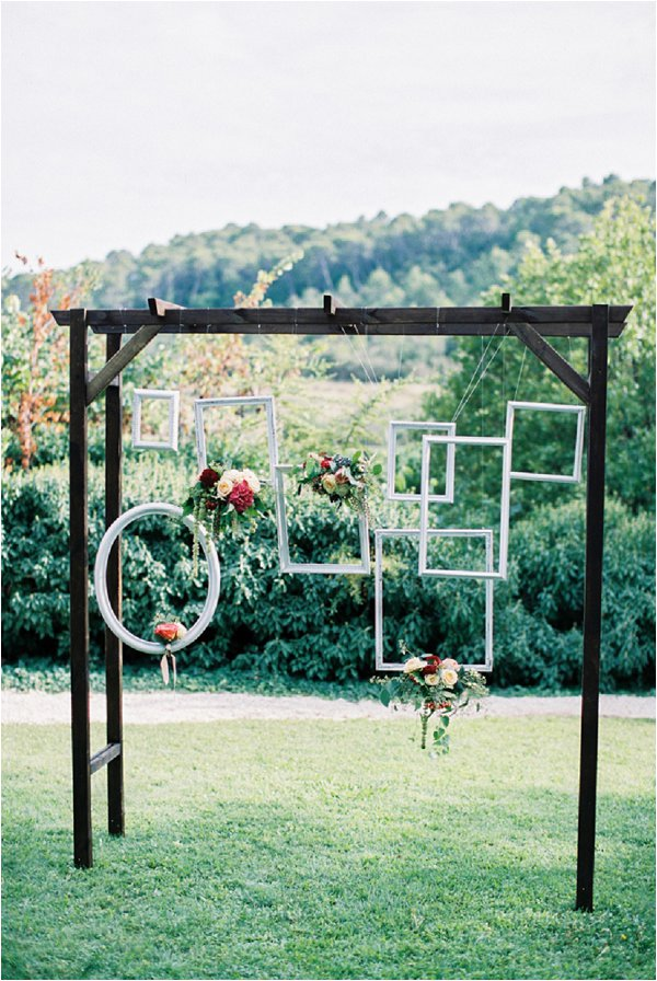 hanging-picture-frames-wedding2